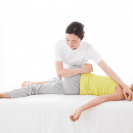 出産後の骨盤を戻す方法とは? 骨盤矯正はしたほうがいいの?