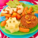 離乳食後期(9カ月~11カ月ごろ)の食事の量の目安や食材、レシピ、進め方のポイント