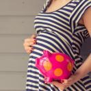 赤ちゃんを産むのにいくらかかる?妊娠したらまず考えるお金のこと