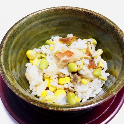 【離乳食完了期】鯵と枝豆、とうもろこしの炊き込みごはん