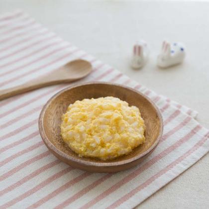 【離乳食中期】卵黄がゆ
