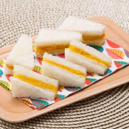 【離乳食完了期】かぼちゃサラダのサンドイッチ