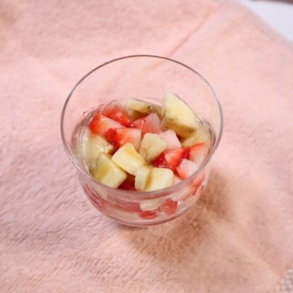 【離乳食中期】バナナといちごのデザート
