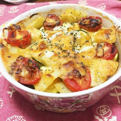 【離乳食完了期】ズッキーニとジャガイモのひき肉チーズ焼き