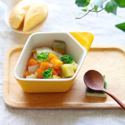 【離乳食後期】野菜のごろっと煮つかみ食べ
