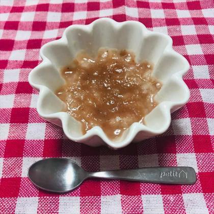 【離乳食初期】いちごスムージーで作るパン粥(※生後6カ月より)