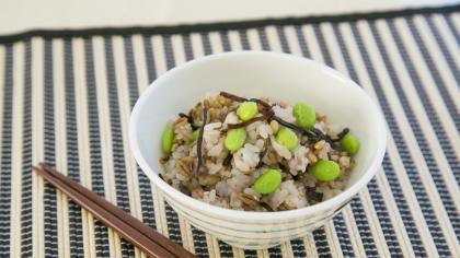 枝豆と塩昆布の雑穀米