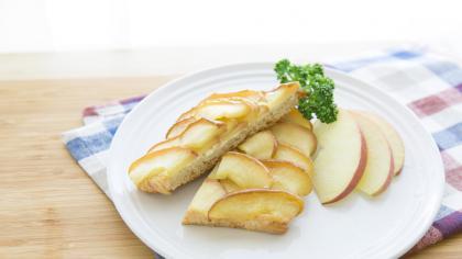りんごのクリームチーズトースト