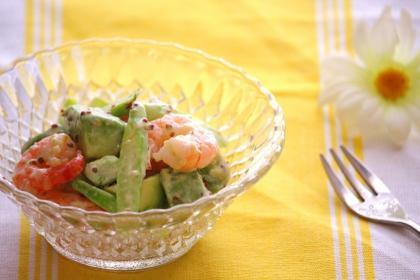 海老とアボカドの粒マスタードサラダ