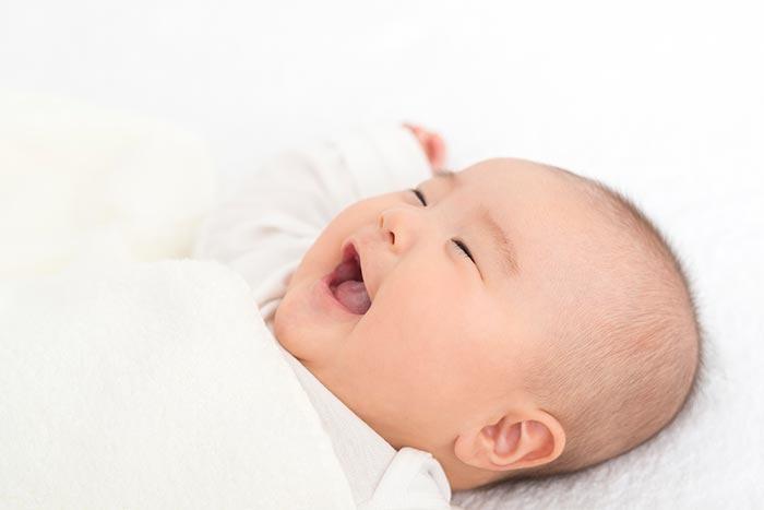 赤ちゃん笑うイメージ