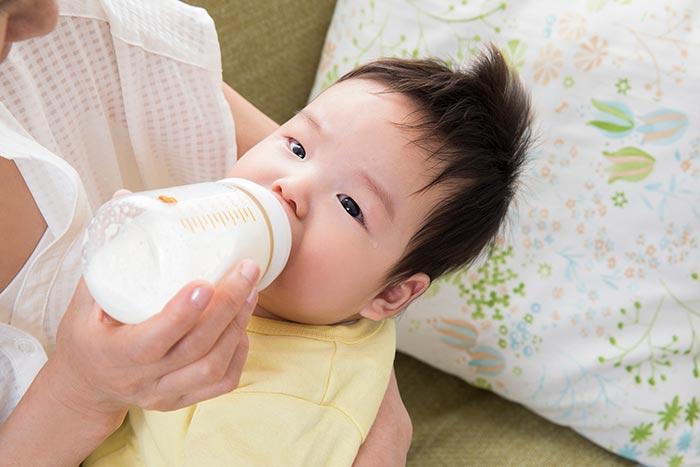 哺乳瓶イメージ