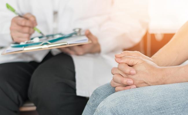 妊婦健診で「卵巣が腫れている」と言われたけど大丈夫?