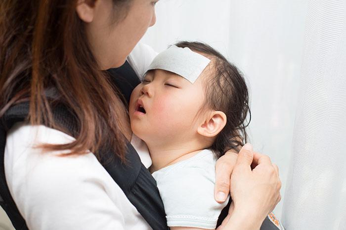赤ちゃんの発熱イメージ