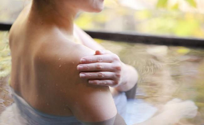 妊娠中に温泉に入るときの注意点イメージ