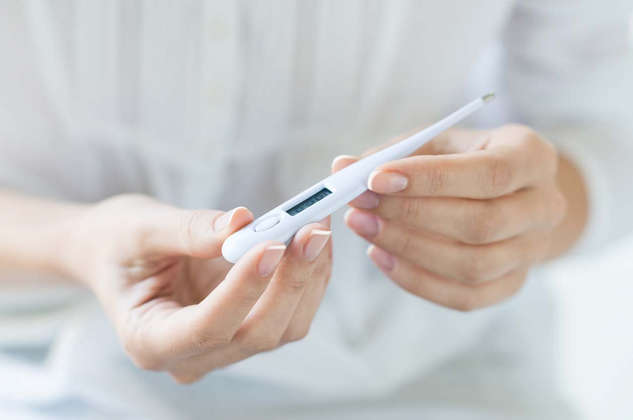 産後に起こる産褥熱とは?原因や症状、治療方法と予防法について