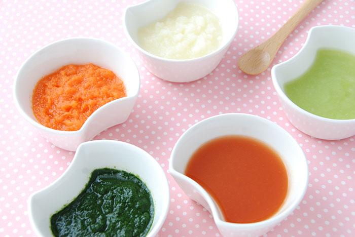 ごっくん期の離乳食初期(5カ月~6カ月ごろ)の量の目安や食材、レシピ、進め方のポイント