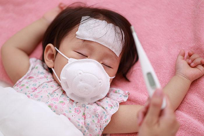 赤ちゃんが咳をするときの原因は?対処法と注意点について