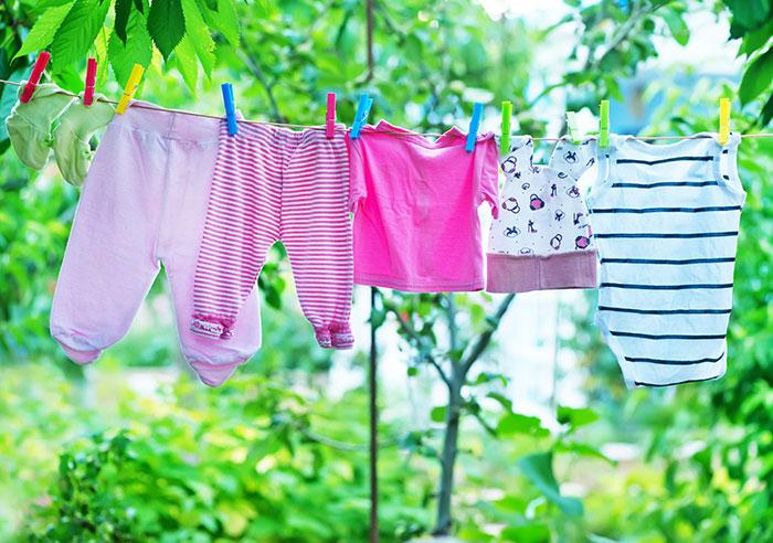 赤ちゃん用の洗剤は必要?洗濯は分けたほうがいいの?ベビー服の洗濯について
