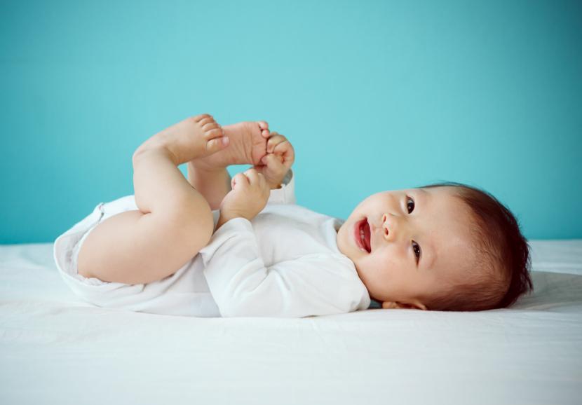 汗 赤ちゃん 手