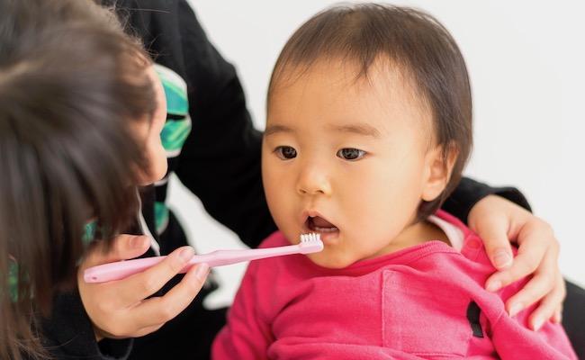 歯磨きタイムが楽しくなっちゃう!「ベビー歯磨き粉・ジェル」3選