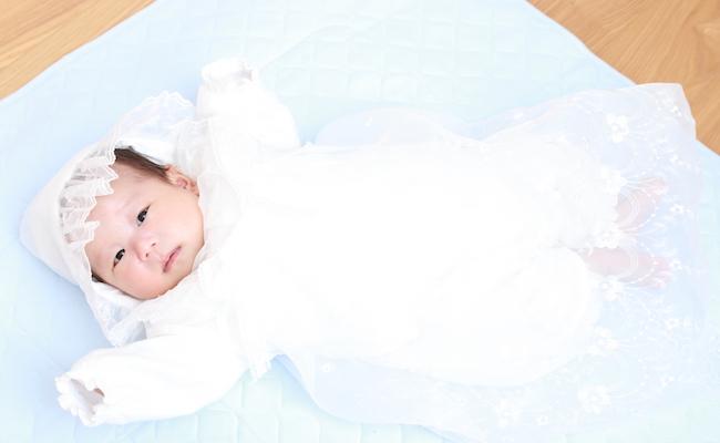 赤ちゃんの快適さとかわいさを考えた「ベビーセレモニードレス」3選