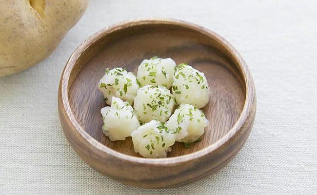 【離乳食中期】コロコロたらポテト
