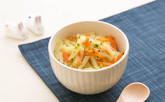 【離乳食後期】ジャガイモとにんじんのきんぴら