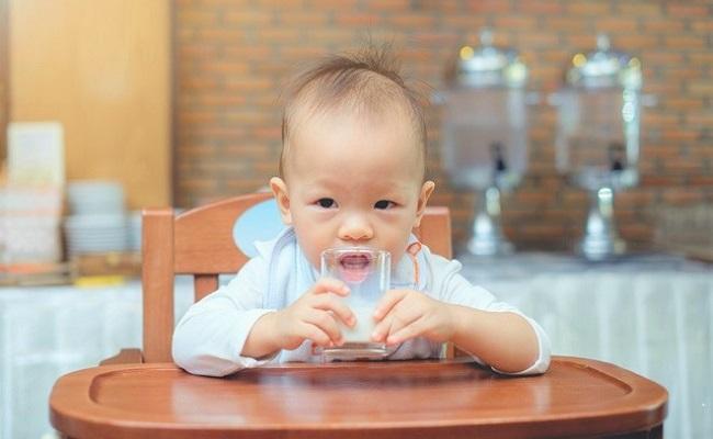 赤ちゃんが○○を食べられるようになるのはいつ?【1】