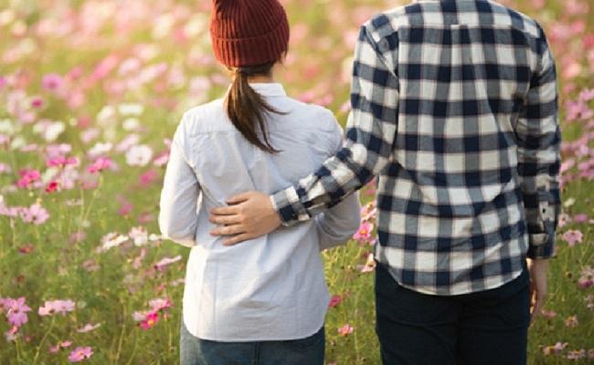 不妊治療をしている夫婦のイメージ