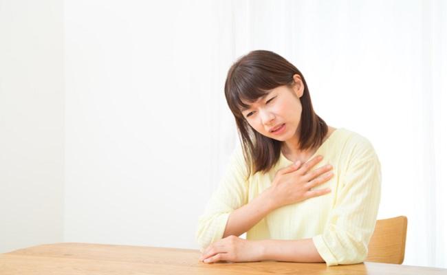 乳腺炎などの母乳のトラブルイメージ
