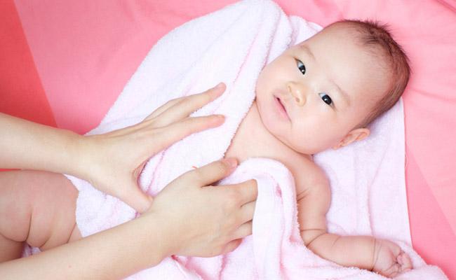 赤ちゃんのスキンケアのイメージ