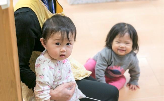 にじいろ保育園 新杉田 0歳児クラスの子どもたち