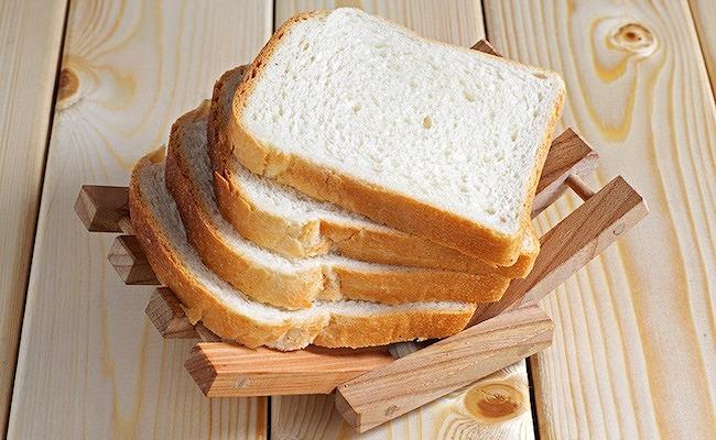 パンと赤ちゃんが食べられる時期イメージ