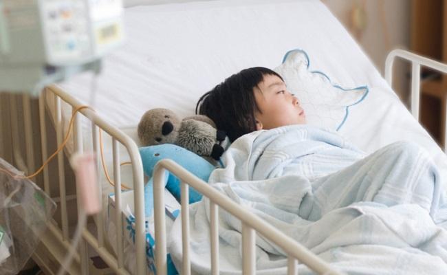 川崎病と疑われた子どものイメージ