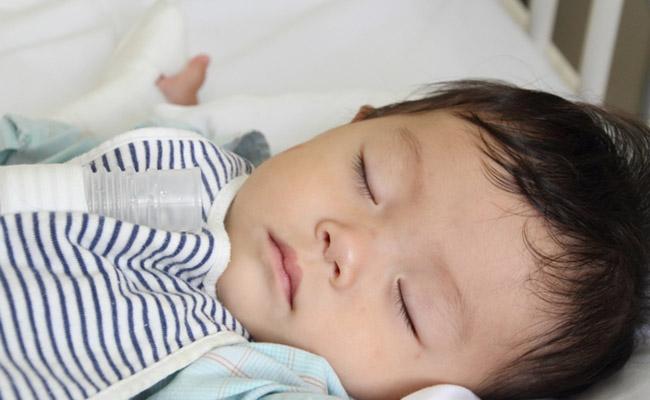 入院中の赤ちゃんのイメージ