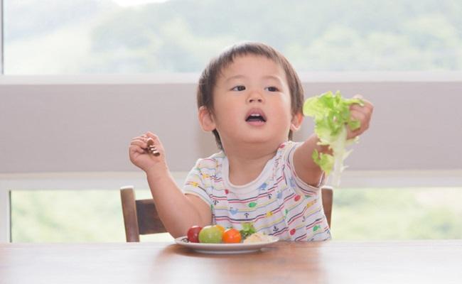 野菜嫌いの子供のイメージ
