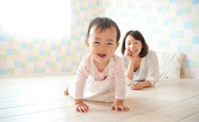生後6カ月~9カ月の赤ちゃんのイメージ