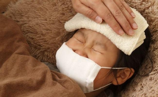 川崎病と疑われた子どもの高熱イメージ