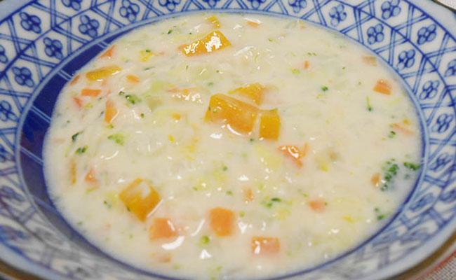 【離乳食後期】白菜のミルクスープ