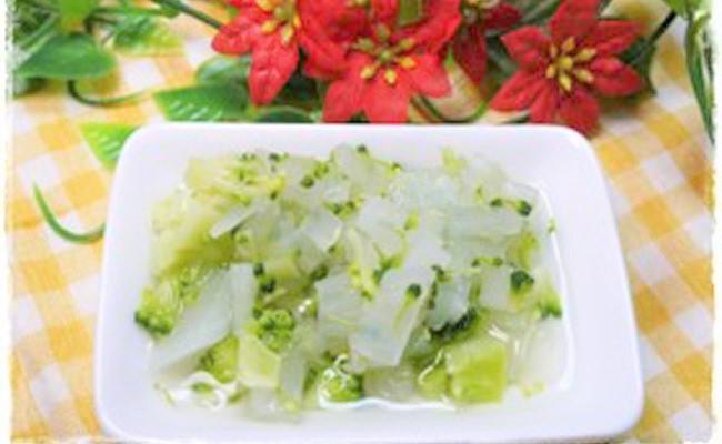 【離乳食後期】 大根とブロッコリーの煮物