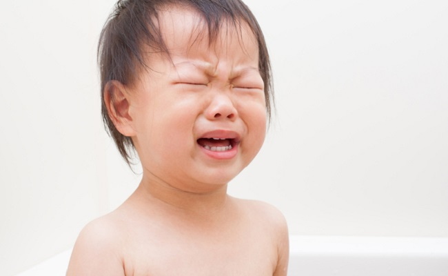 パパとのお風呂がいやっ!?泣いちゃう子どもに困惑【パパ見知り体験談】