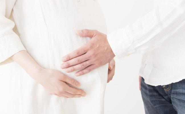 妊娠中に保険を検討するイメージ