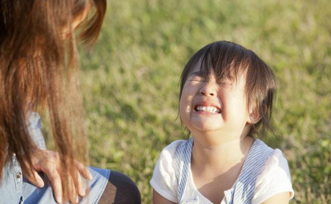 泣いている子どものイメージ