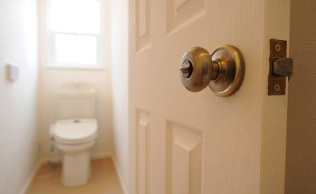 産後のトイレを意識するイメージ
