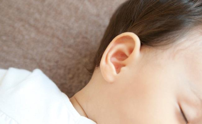 一歳児の耳
