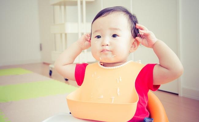 食事中の赤ちゃんのイメージ