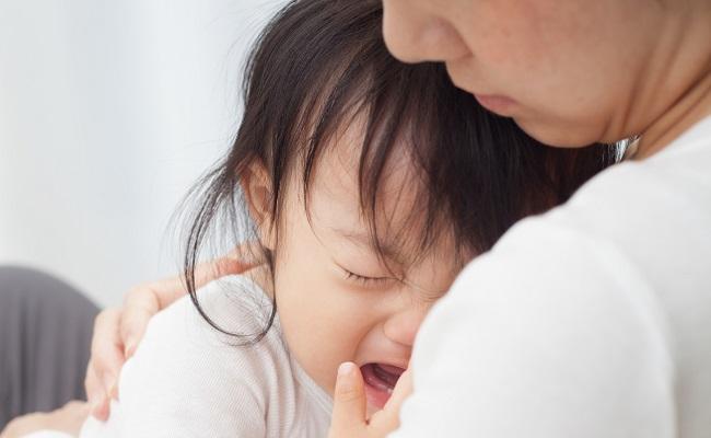 大泣きの赤ちゃん