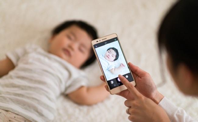 SNS用の赤ちゃんの写真のイメージ