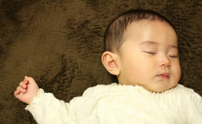 寝かしつけのイメージ