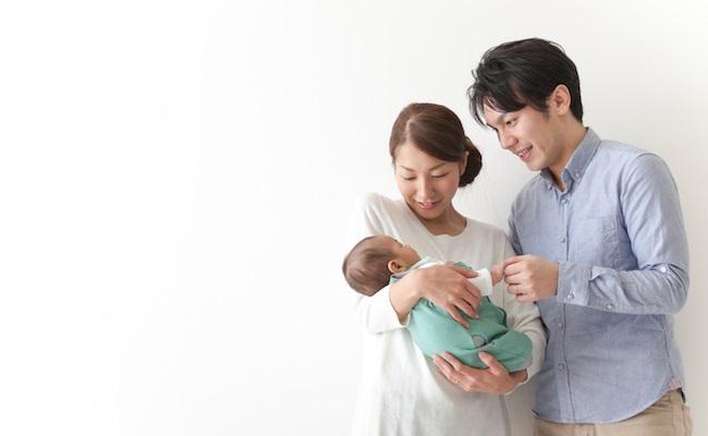 赤ちゃんが生まれた夫婦